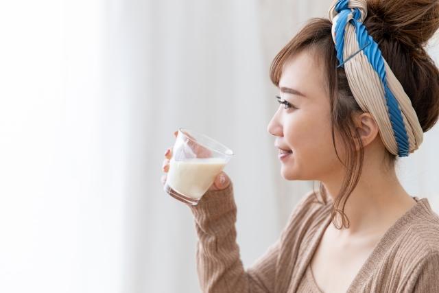 飲むヨーグルトの糖質はどれくらい?糖質制限中は飲んでも良いの?