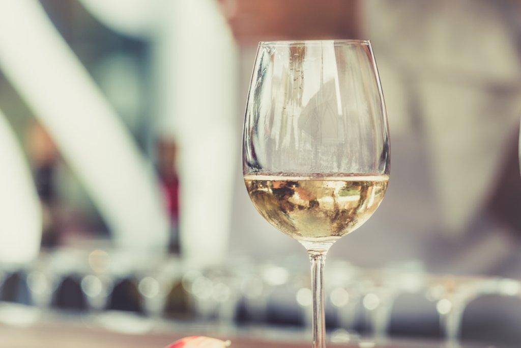 ワインの糖質とカロリーは?糖質制限中に選びたいワインは?