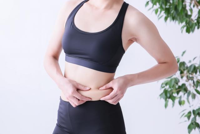 皮下脂肪がつく原因とは?原因を知れば落とし方がわかる