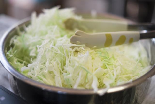 キャベツの栄養を効果的に摂るには加熱より生?