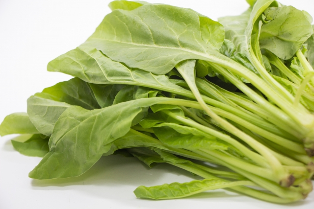 小松菜やほうれん草の栄養を逃さない食べ方やレシピはある?