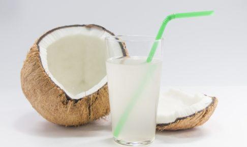 ココナッツウォーターが身体にいいってほんと?!栄養や美容効果について調べてみた