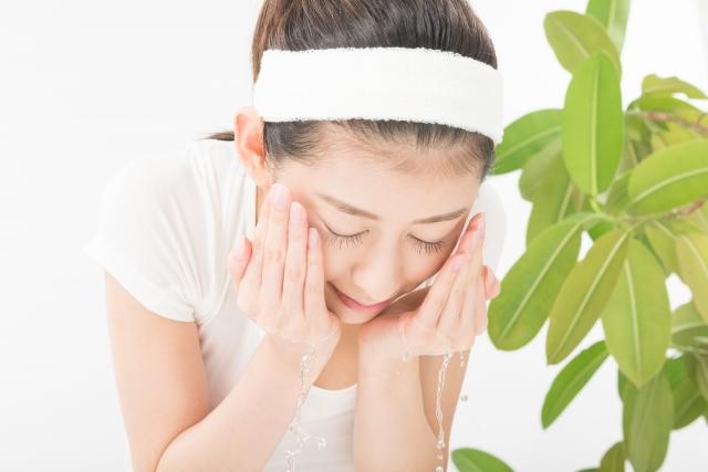 馬油洗顔とは何?馬油洗顔の方法