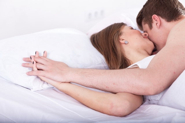 恋人やセフレとセックスをして性欲処理