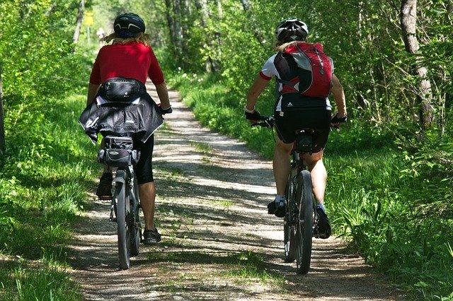 サイクリングやウォーキング…、有酸素運動の注意点