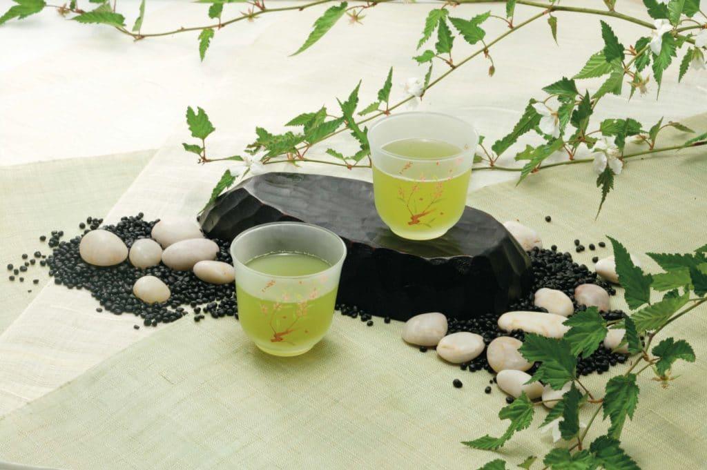 冷たい緑茶やペットボトルの緑茶でも効果は同じ?