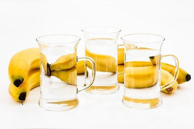 バナナダイエット成功の秘訣はよく噛むことと常温の水