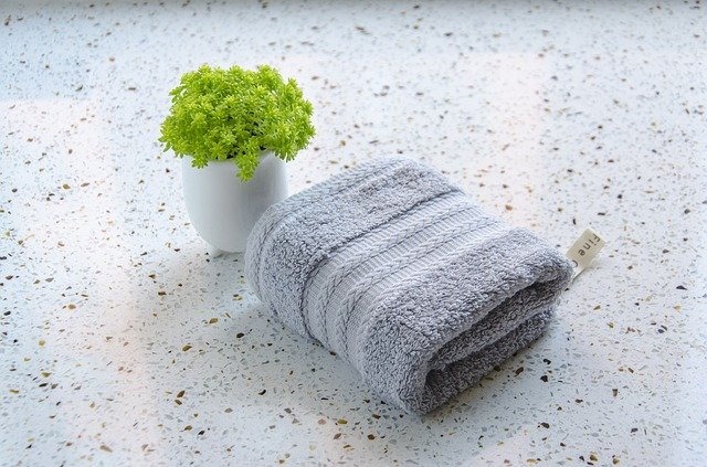 ジップロックを使って電子レンジで蒸しタオルを作る際の注意点