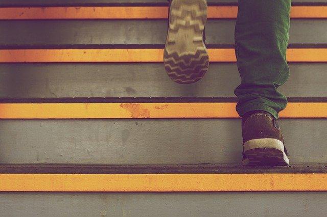 「ためしてガッテン」で紹介された踏み台昇降の正しいやり方