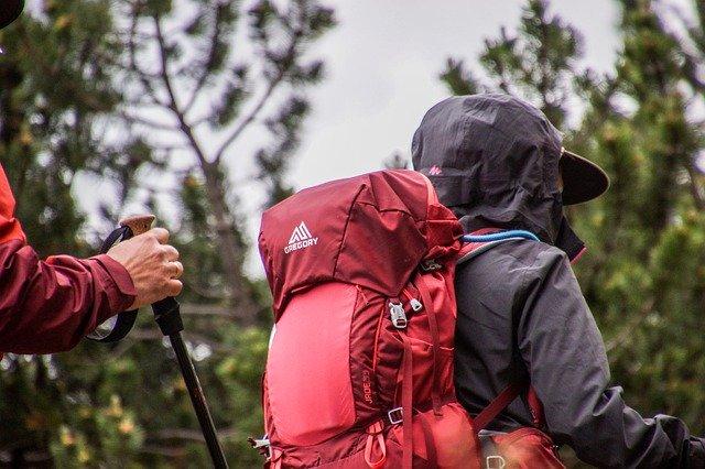 ダイエットに登山は効果的?