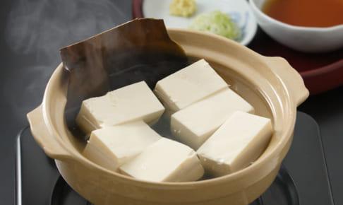 豆腐のカロリーは?食べ過ぎは病気にも?木綿と絹の違いや糖質・脂質も