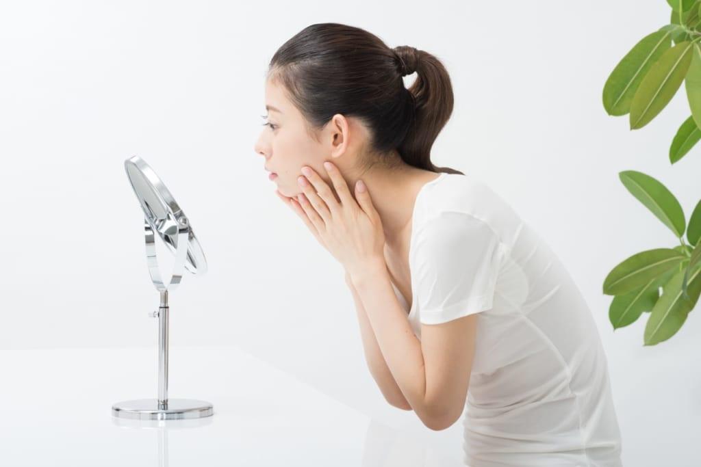 肌が汚い女性の特徴と生活習慣