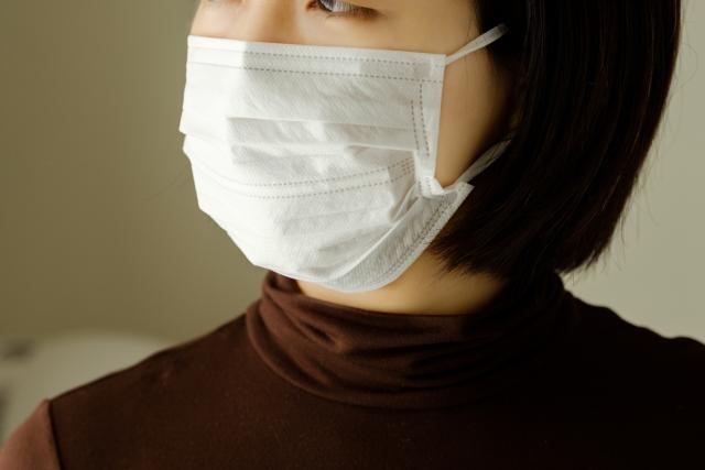 くしゃみが臭い原因!膿栓が溜まるのはなぜ?