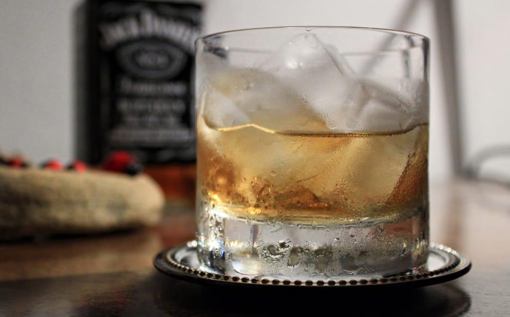 ウイスキーのカロリーを更に抑えるには