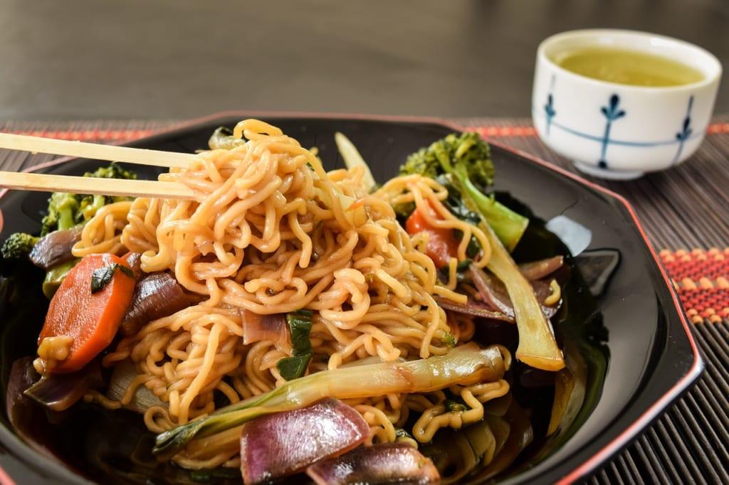 高カロリーの原因は焼きそば麺にある?