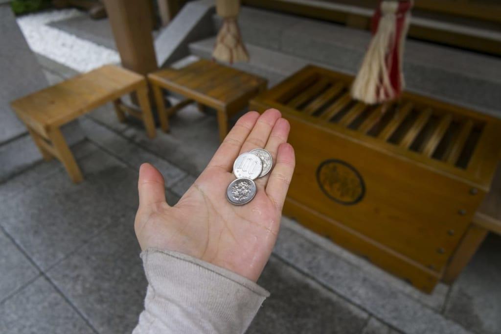 お賽銭金額は何円が正しい?お賽銭の由来と縁起の良い金額を解説!