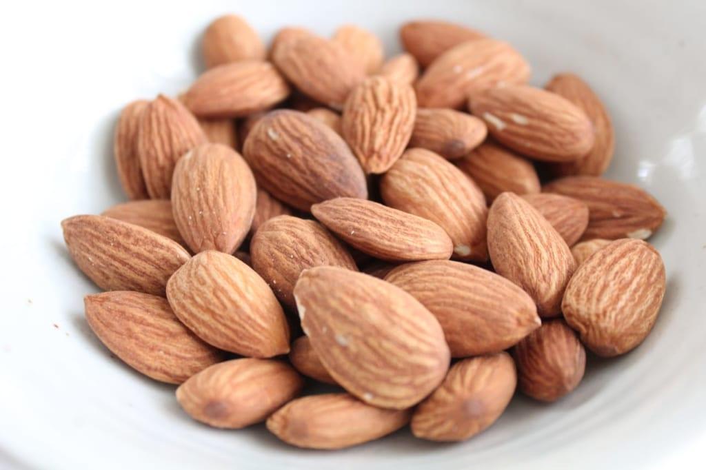 アーモンドの栄養と驚くべき効果とは?健康や美容ダイエットにも!