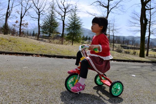 三輪車には体幹を鍛える以外のメリットも