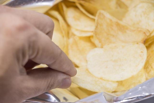 ポテチは健康にどう影響する?
