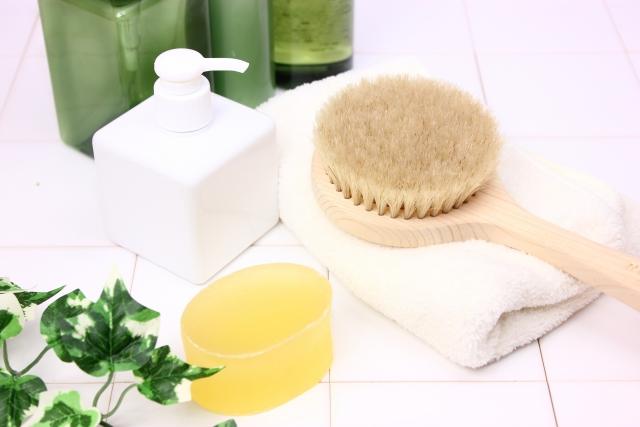 石鹸シャンプーには固形と液体がある!
