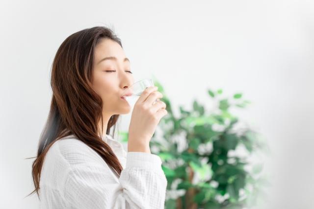 ウコンを飲むタイミングは?肝臓への効果を得られやすい摂取方法