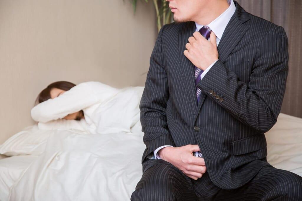 夫の浮気の兆候や行動パターンは?