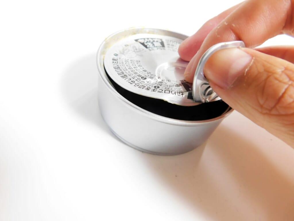 缶詰は賞味期限内でも食べられないことがある?