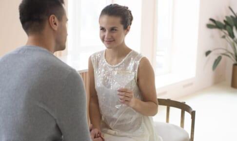 【タロット占い】出会ったばかりのあの人…ふたりを待つ恋模様は?